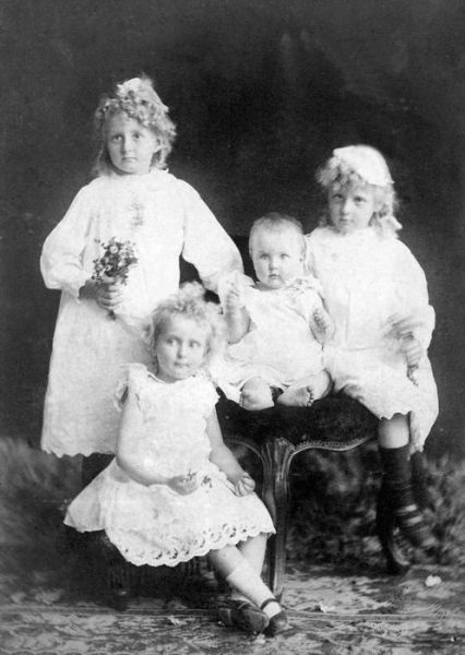 1893 Lakeman family