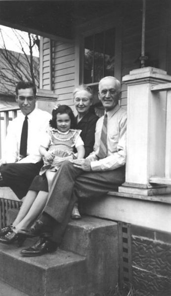 1945 Garfield Ave Harold, Martha, Willie, Miles Brown
