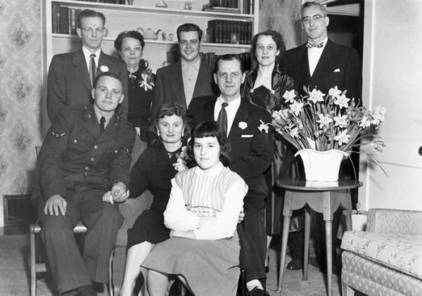 1952 Garfield Ave Niday, Brown families