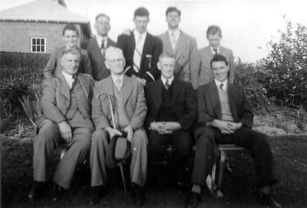 1955 03 Christmas - Sargent family