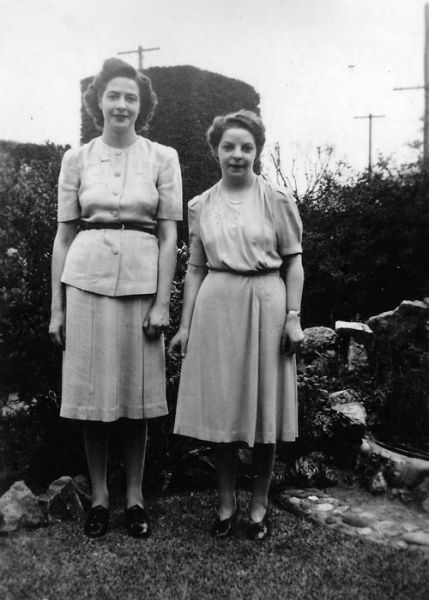 1955 Clarence Park - Gwen, Shirley Muller